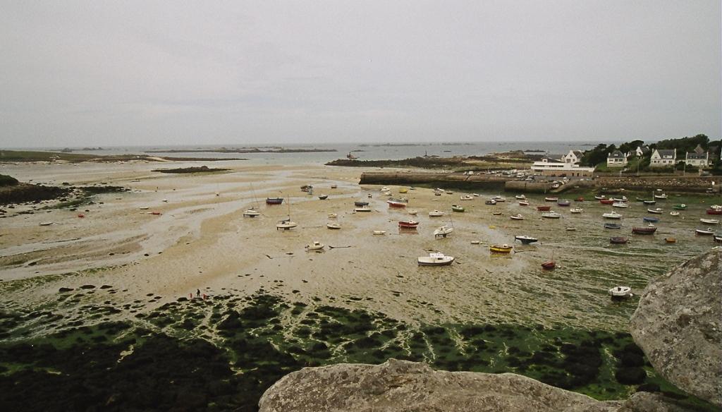 Harbor of Porsall, Britany (France). Minolta Vectis S1