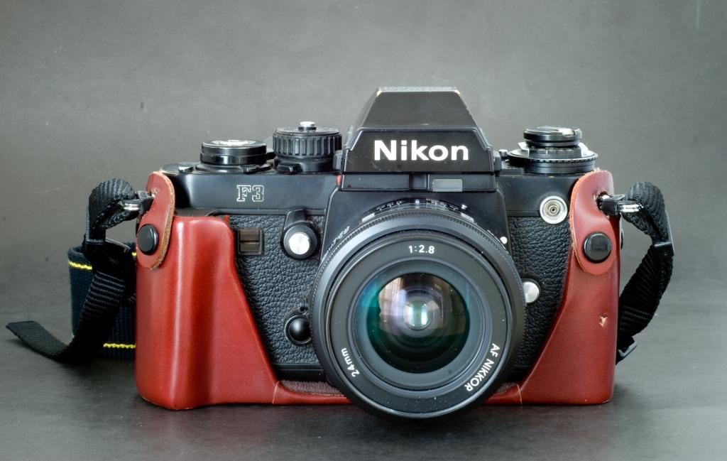 Nikon F3 in CF-22 case