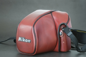 Nikon F3 in the CF-22 bag (Red)