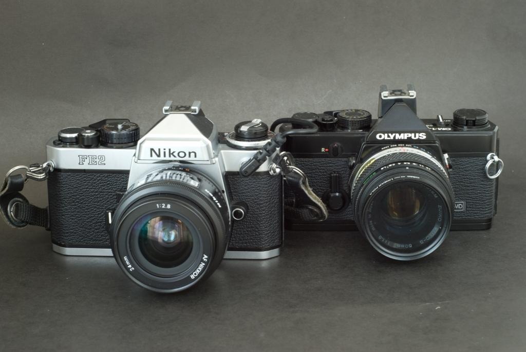 Nikon FE2 / Olympus OM-1n
