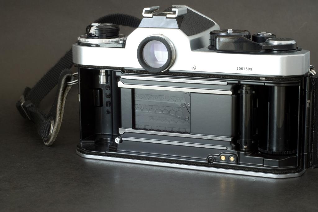Nikon FE2 - Shutter