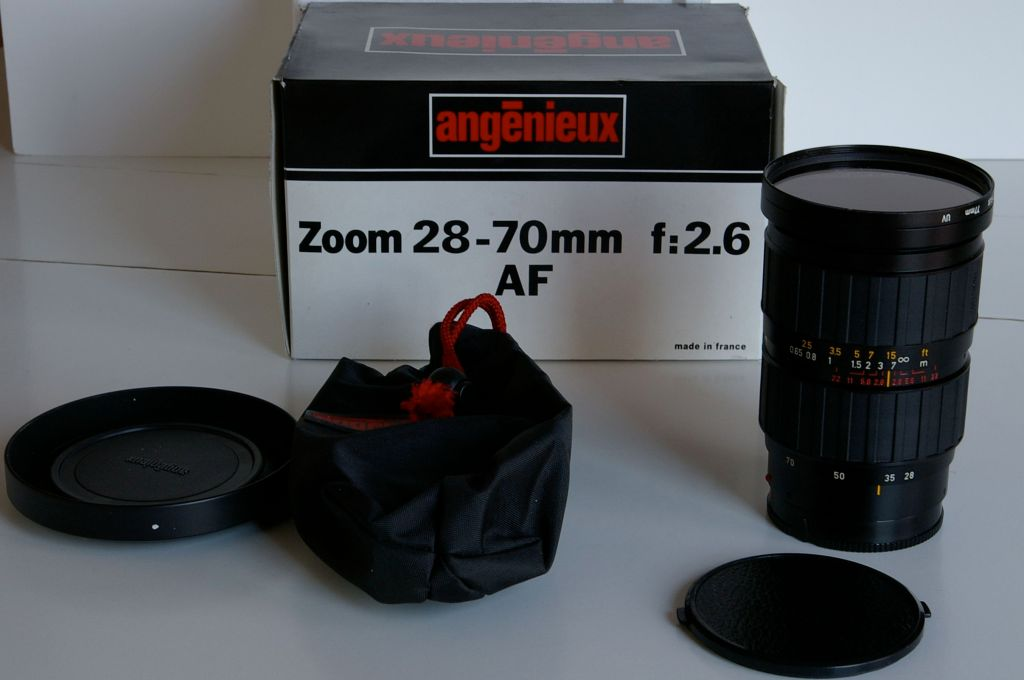 The Angenieux 28-70 AF lens and its accessories