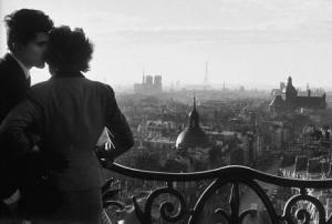 Willy Ronis - Les Amoureux de la Bastille - 1957