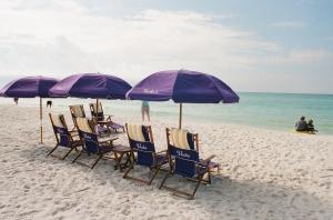 Destin- The beach (Nikon FA- Nikkor 24mm AF - Kodak Ultramax) Sept.09