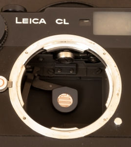 Leica CL -Armed shutter