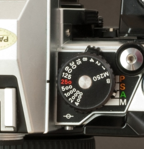 Nikon FA detail of the shutter speed knob and PSAM selector