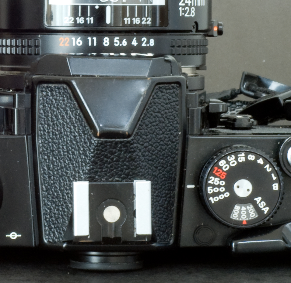 Nikon FM detail of the shutter speed knob