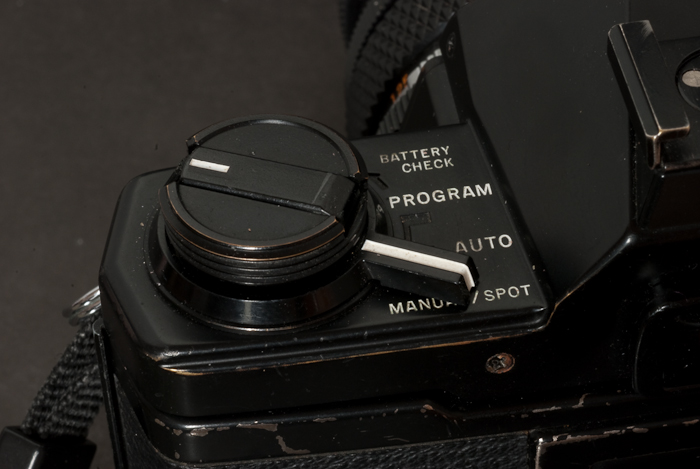 Olympus OM-2s- the control of metering and exposure modes