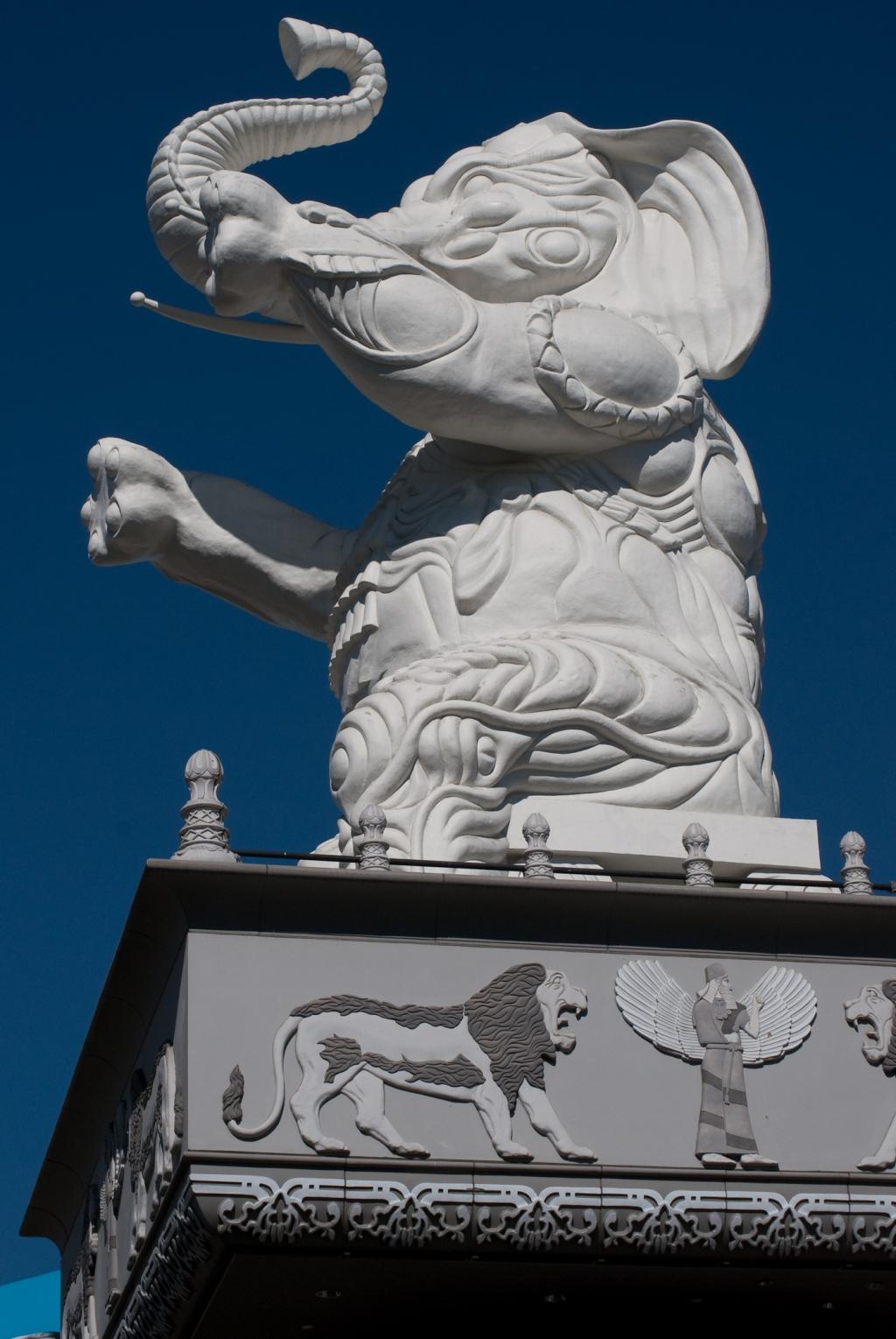 White Elephant - Hollywood Boulevard - Los Angeles