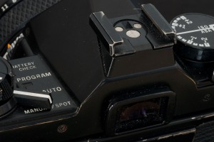 Olympus OM-2s - close-up (back)