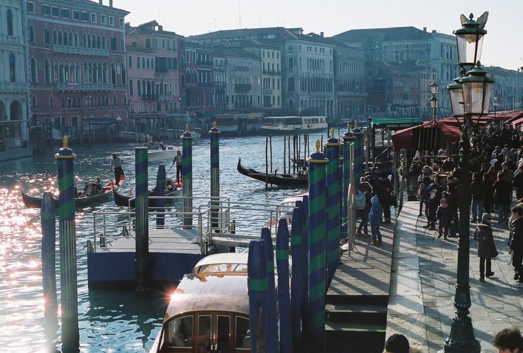 Rialto Bridge, Venice. Original scan: 1800 x 1215 (Wolf Minilab)