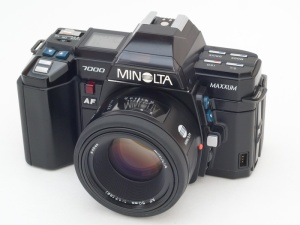 Minolta Maxxum 7000 - source Wikipedia