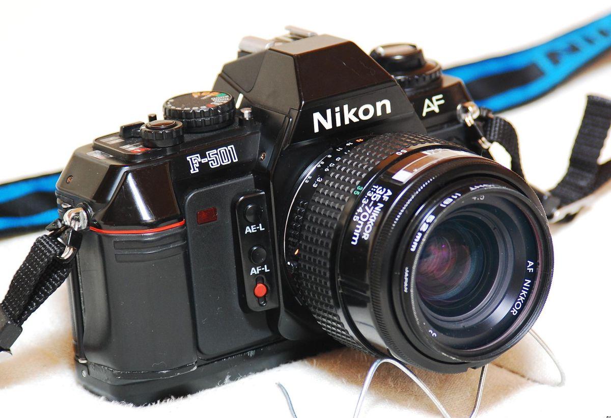 Nikon_F-501-Nikkor